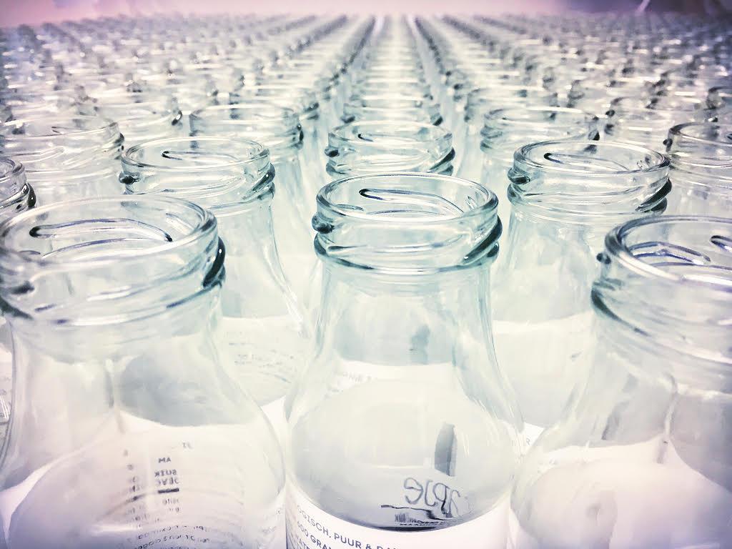 lege glazen flesjes