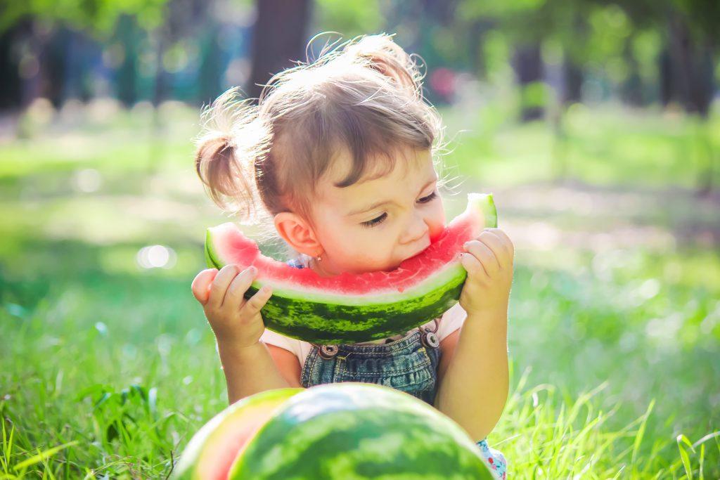 watermeloen eten